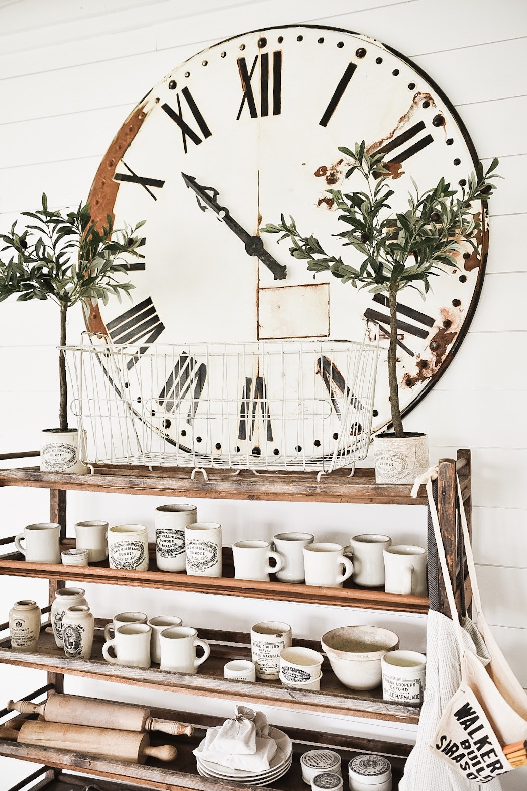 This gorgeous large wall clock was a farmhouse DIY that looks amazing with this kitchen bar