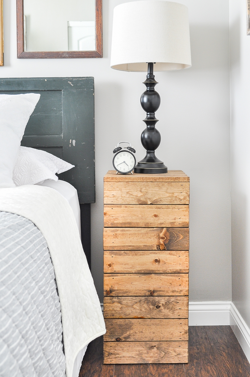 This planked night stand looks like it came straight out of the barn - love the rustic style