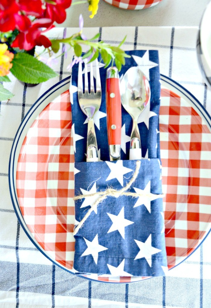 These napkin holders wrapped in string give the perfect farmhouse touch to the table.