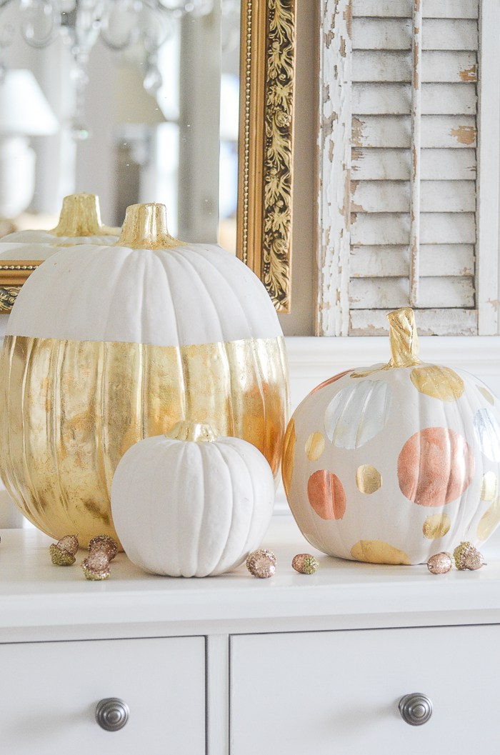 Come on in and enjoy checkout out all the New and Amazing Farmhouse Home Decor & DIYS out there in Blog Land!  Tons of DIYS and Inspiration!  ENJOY!