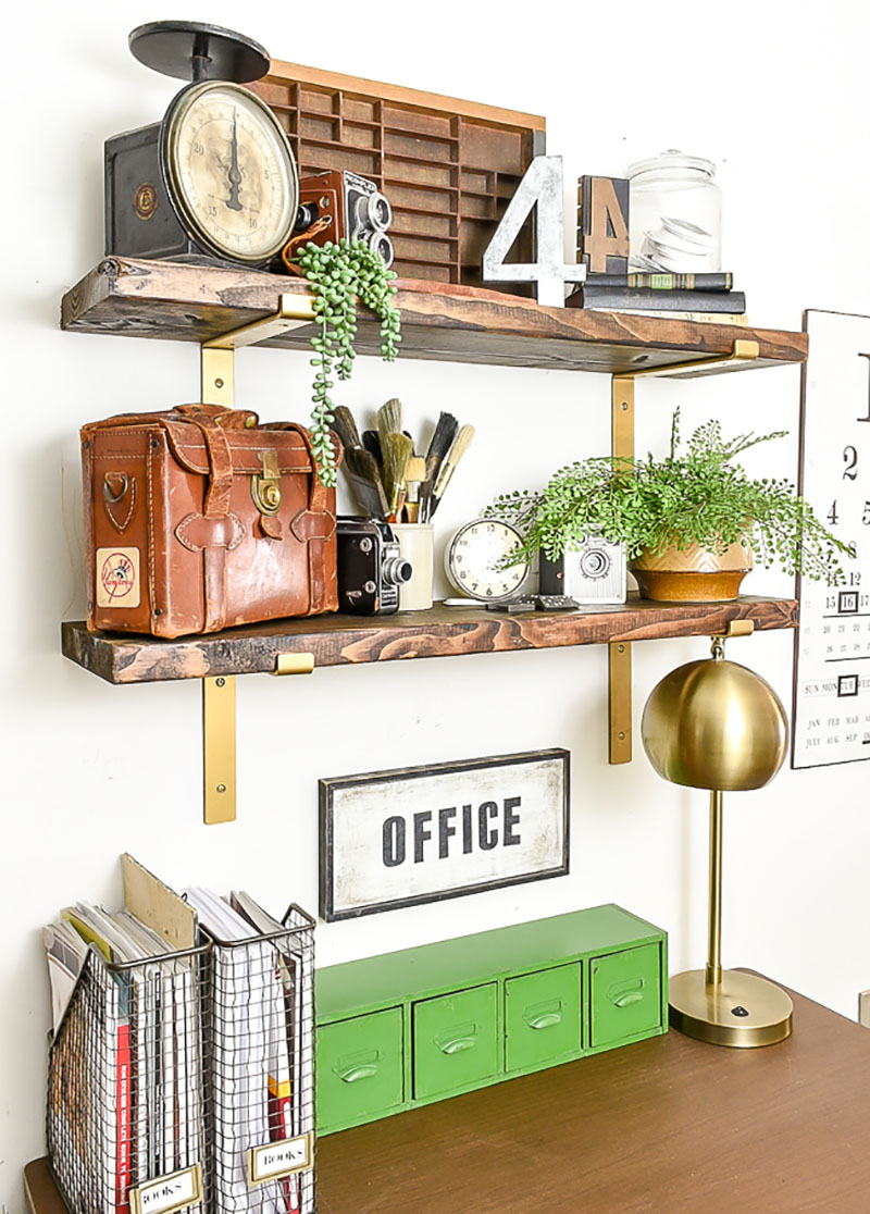Room Decor from Vintage Thrift Store pieces. Such a wonderful Farmhouse Style.