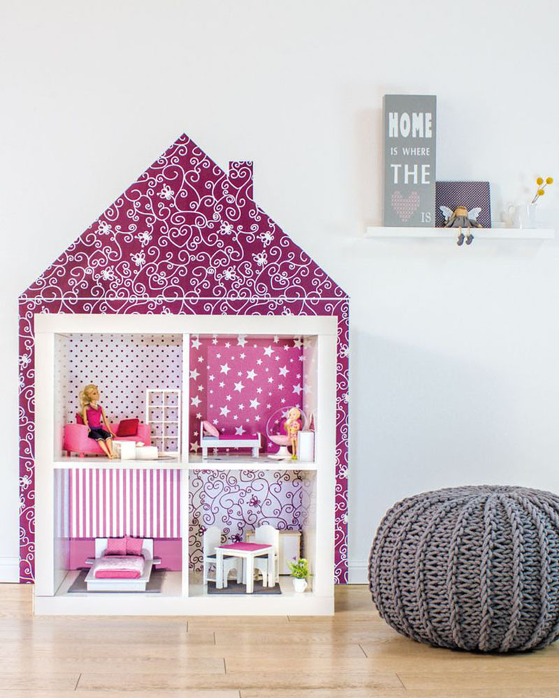How adorable is this Ikea Hack Kallax Doll House!  A big customized Doll House for your kids to have tons of fun playing with!