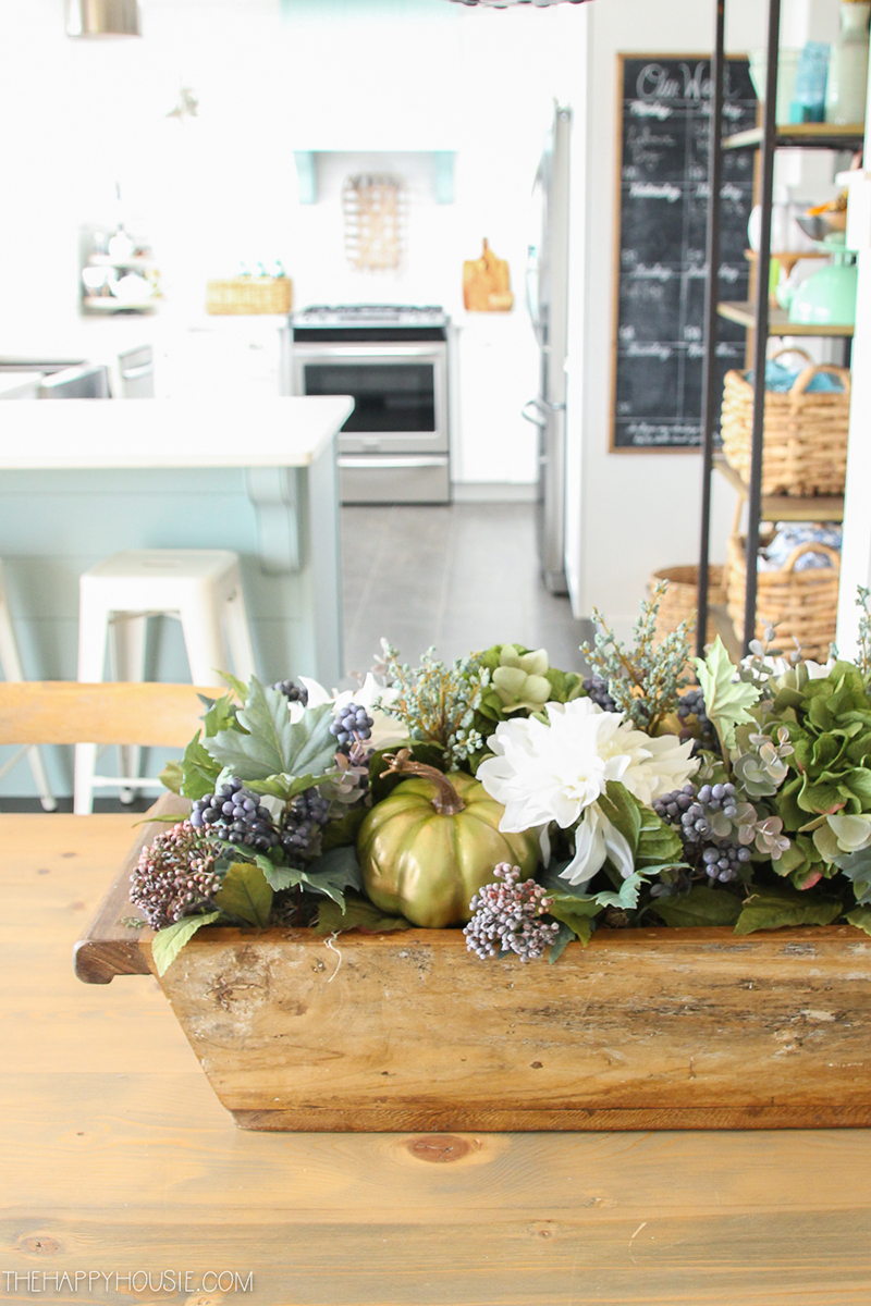 Thanksgiving Farmhouse Dough Bowl Centerpiece Ideas could be just what you are looking for! A centerpiece that will last the whole Fall Season!