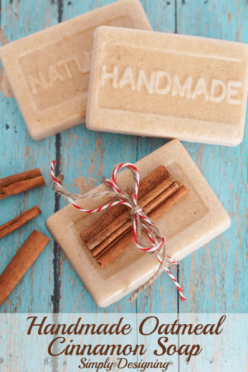 Top Farmhouse Style Cinnamon Stick Crafts that are perfect for the Holiday Season From Christmas Ornaments to Garland and beyond! The aroma is delightful!