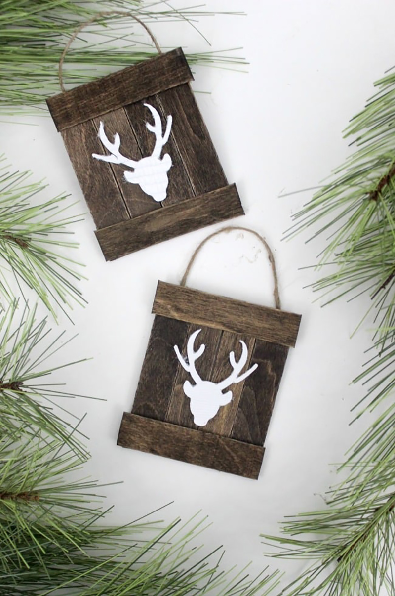 The Best DIY Farmhouse Christmas Ornaments Ever! You have to see all of these DIYS... you are going to want to make each and every ornament here! ENJOY!