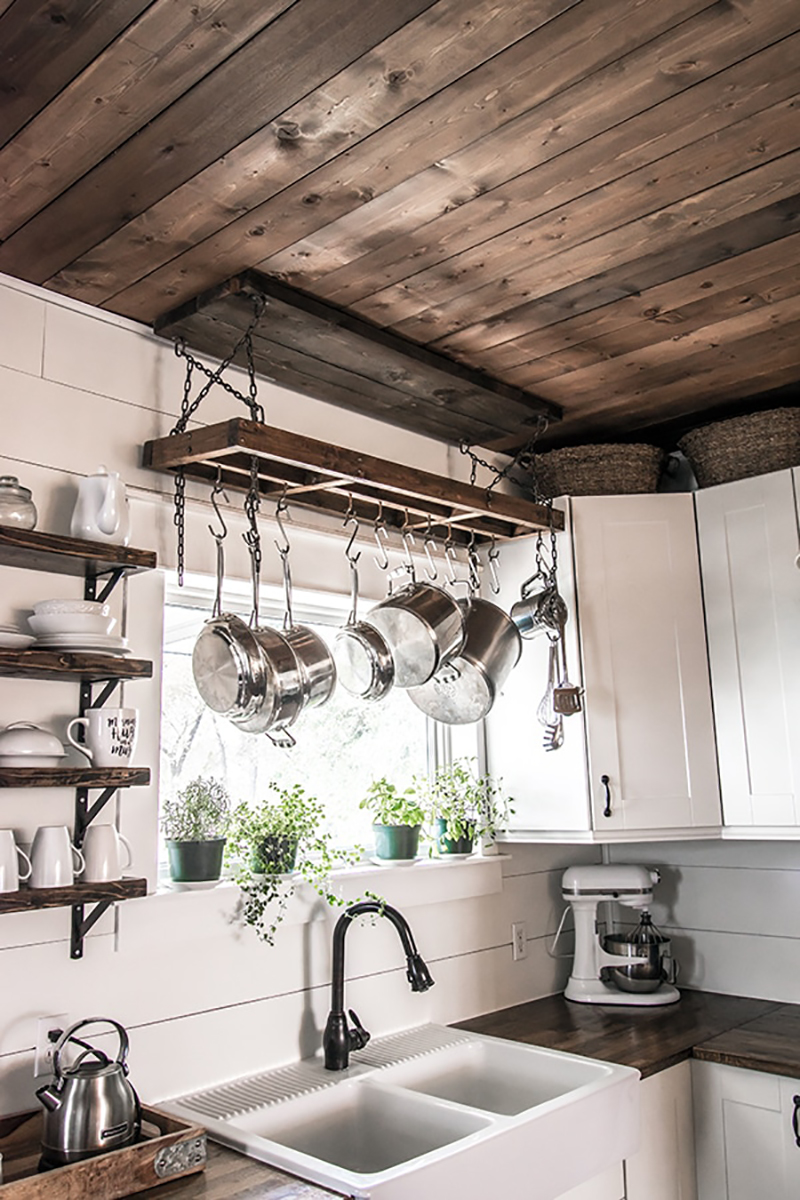 Charming and Inexpensive Farmhouse Kitchen Updates - The ...