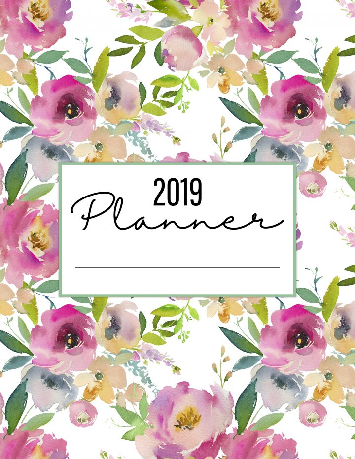 The Best 2019 Free Printable Planner to Organize Your Life 50+ Pages is waiting for you at The Cottage Market! It will totally organize your New Year!