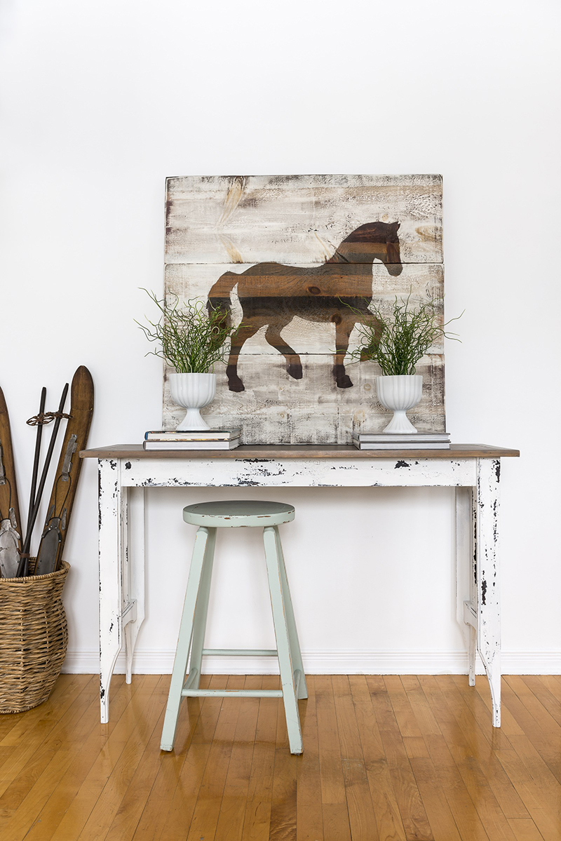 Fresh and Fun Farmhouse Thrift Store Makeovers To Kick Off The New Year! You are going to be totally inspired by these creations!