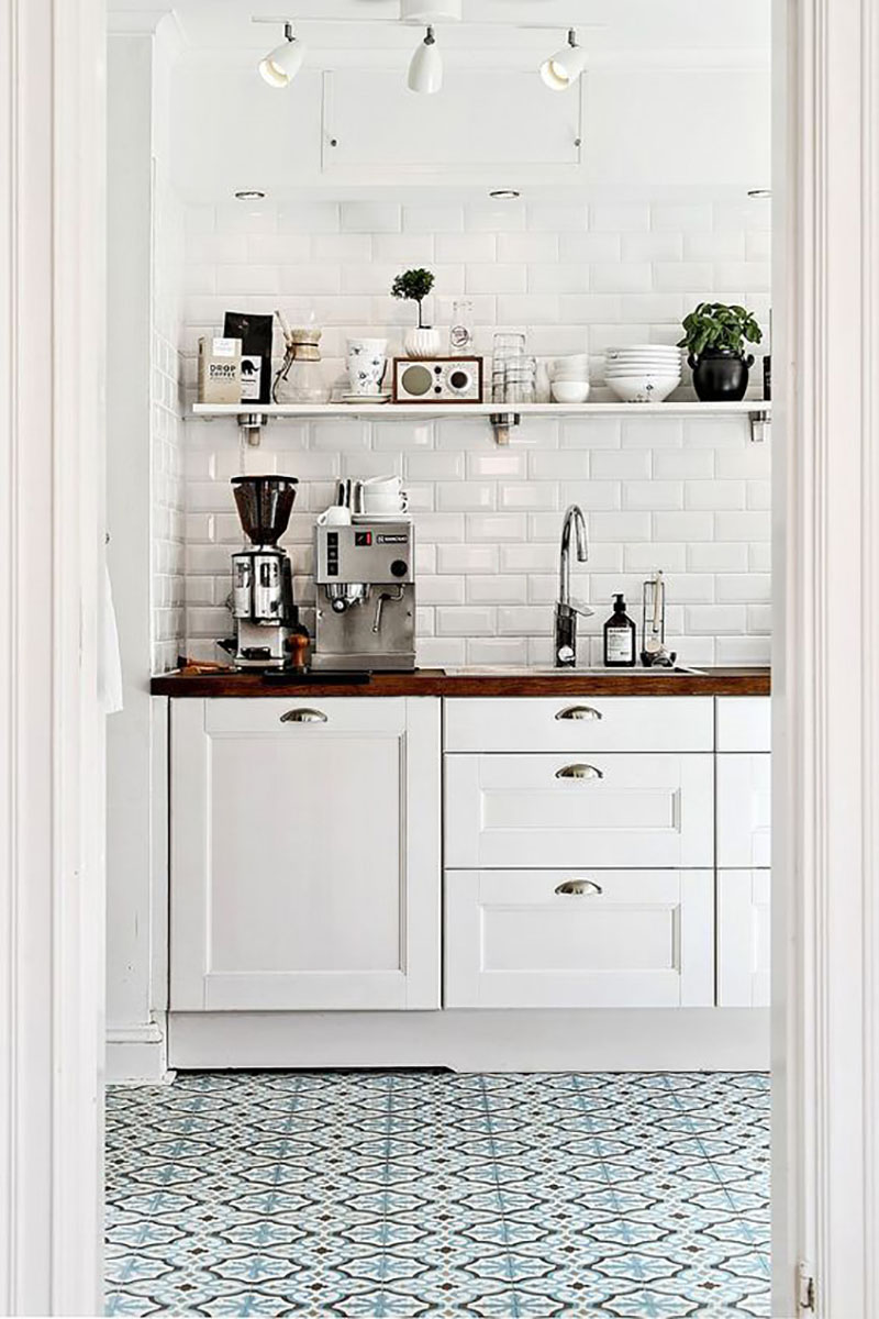 The Best DIY Farmhouse Coffee Bars That Will Perk You Up are brewing over at The Cottage Market! Inspiration and Ideas await you! Bring a full cup of Joe!