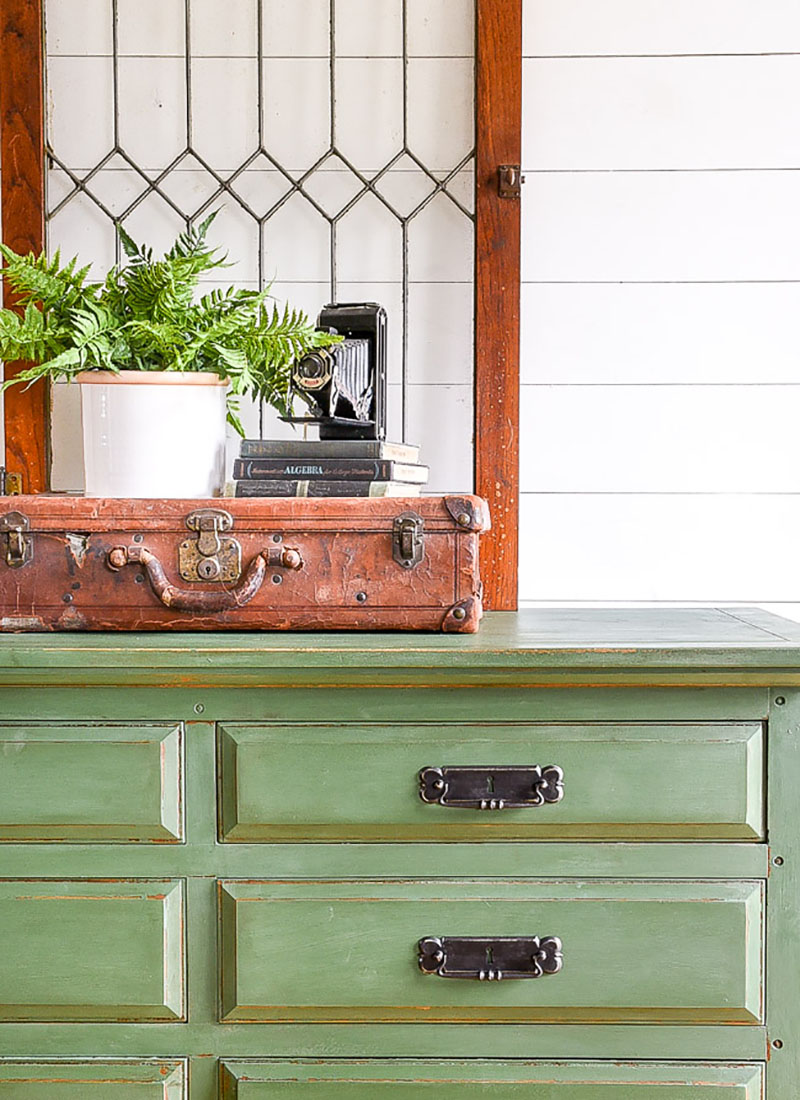 Fresh and Fabulous Farmhouse DIYS and Ideas are waiting for you to be totally inspired by! It's all about what's new in the Farmhouse DIY World This week!