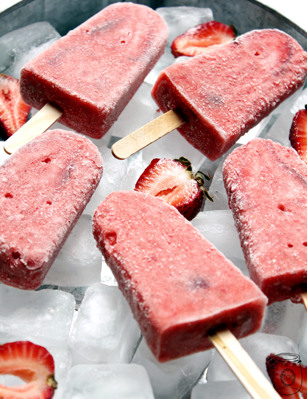 https://thecottagemarket.com/wp-content/uploads/2019/04/strawberrydaiquripopsicles-2.jpg