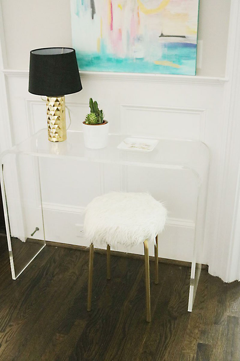 Check out these Time Saving Quick and Easy IKEA Hacks! Most of these can be done in less than an hour and some even quicker! They are fresh and fabulous!