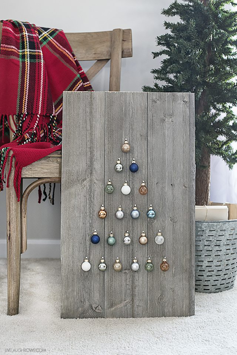 These Fun Farmhouse DIY Christmas Projects are easy to make and they will add a ton of charm to your fabulous home in a snap!