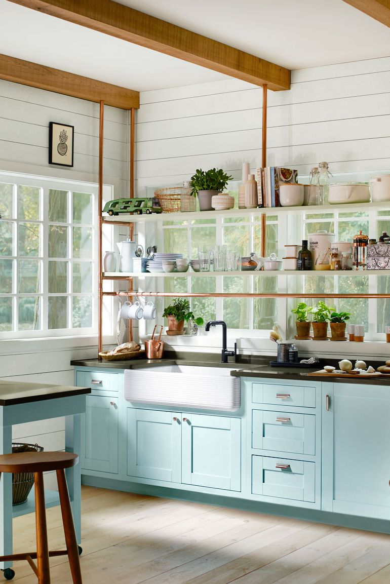 These Tips and Tricks for a Beautiful Home Year Round will help you keep your Farmhouse Flair Alive! It's easy and it doesn't have to break the budget!