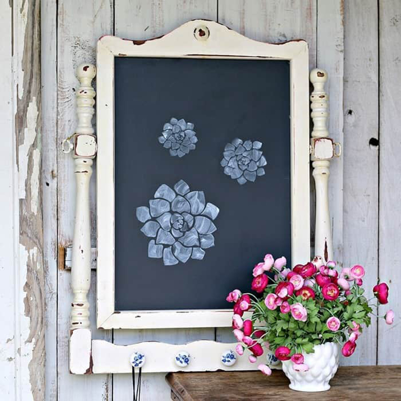 https://thecottagemarket.com/wp-content/uploads/2019/12/Farmhouse-Thrift-Store-Makeover-7-1.jpg