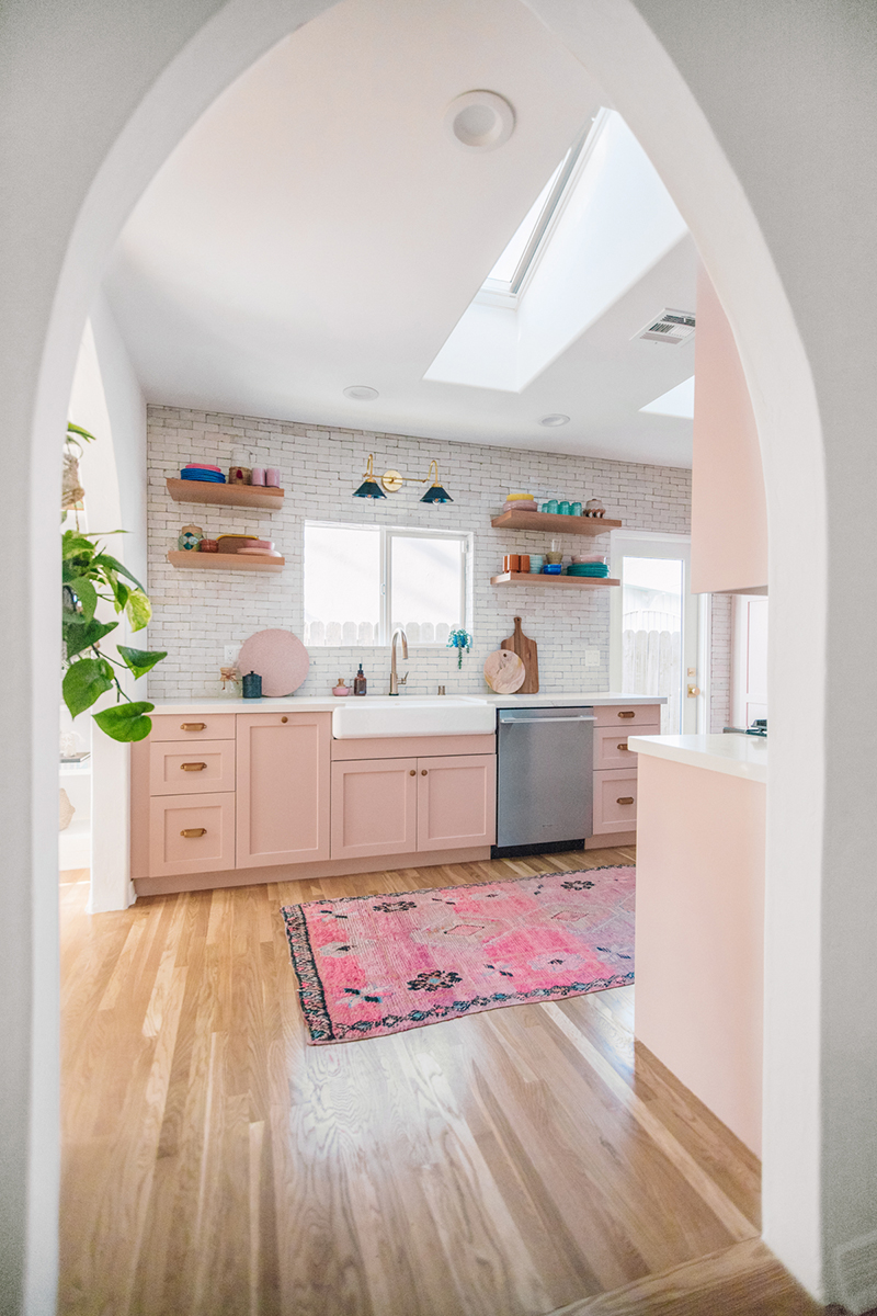 https://thecottagemarket.com/wp-content/uploads/2019/12/Kitchen-Trends-2.jpg