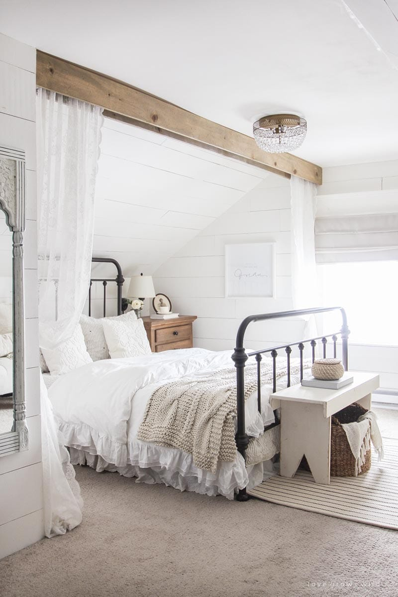 https://thecottagemarket.com/wp-content/uploads/2020/02/Bedroom-Update-3.jpg