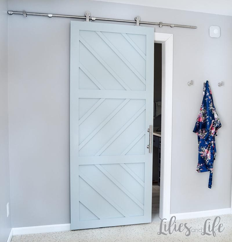https://thecottagemarket.com/wp-content/uploads/2020/02/Farmhouse-Barn-Door-2.jpg