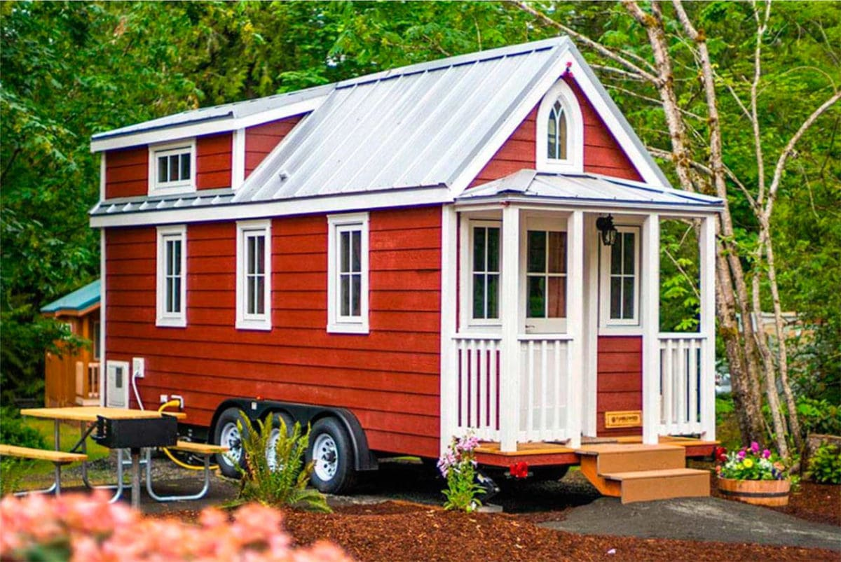 https://thecottagemarket.com/wp-content/uploads/2020/11/Tiny-House-With-Wheels.jpg