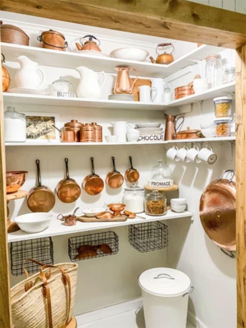 https://thecottagemarket.com/wp-content/uploads/2021/01/Farmhouse-Kitchen-Organization-1.jpg